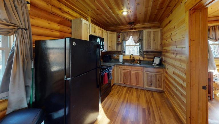 Canopy Ridge Treehouse Kitchen