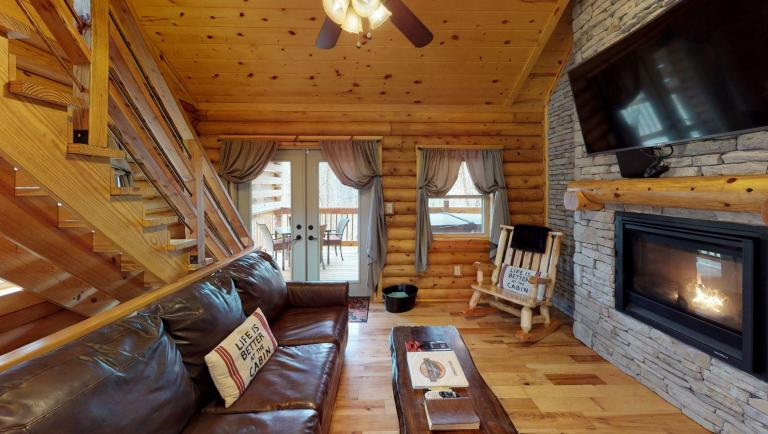 Sweet Retreat Living Room(1)